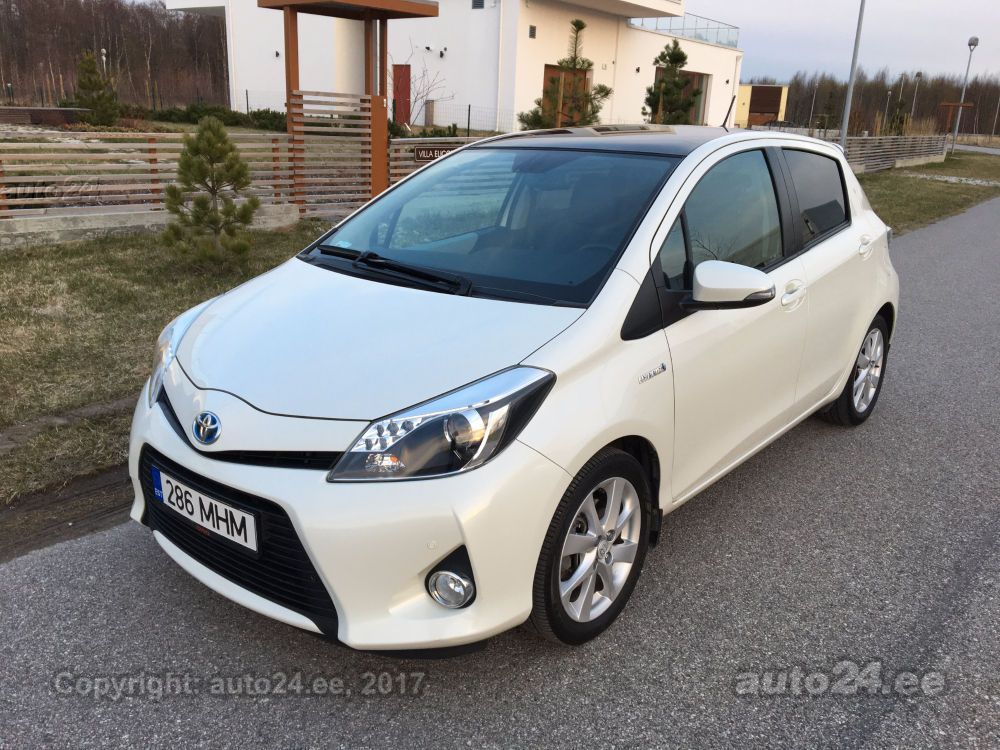 toyota yaris hsd luxury 1 5 vvt i 55kw. Black Bedroom Furniture Sets. Home Design Ideas
