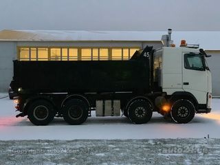 Volvo FH12 8x4 338kW