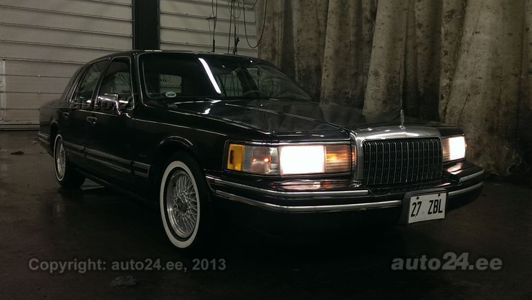 Lincoln Town Car 4.6 V8 153kW