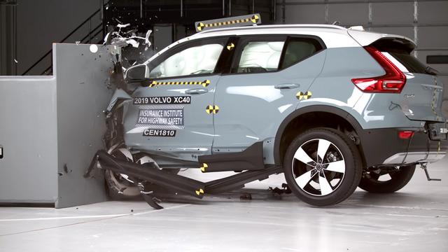 Volvo XC40 avariitestil. Kaader: Youtube