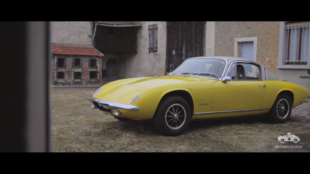 Lotus Elan +2. Kaader: Youtube