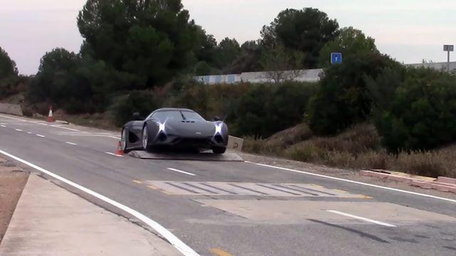 Hüperauto testimine. Kaader: Youtube
