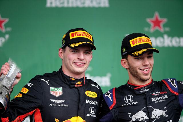 Brasiilia GP võitja Max Verstappen ja karjääri seni parima koha saavutanud Pierre Gasly. Foto: Red Bull Content Pool