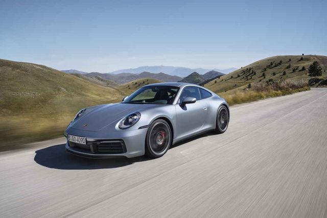 """Uus Porsche 911 (tehaseindeks 992) tuleb müügile kevadel. Esimesena avalikustatud mudel 911 Carrera S kihutab vähem kui nelja sekundiga paigalt """"sajani"""". Foto: Porsche"""