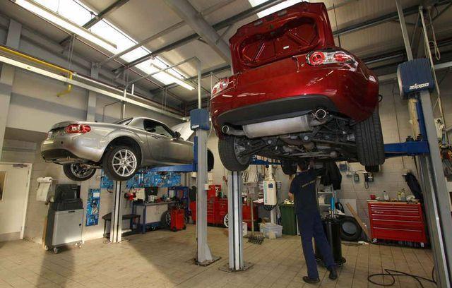 Mõne margi puhul saab tasuta asendusauto garantiiremondi lõpuni, teine firma aga tellib sulle vaid takso. Foto: Mazda