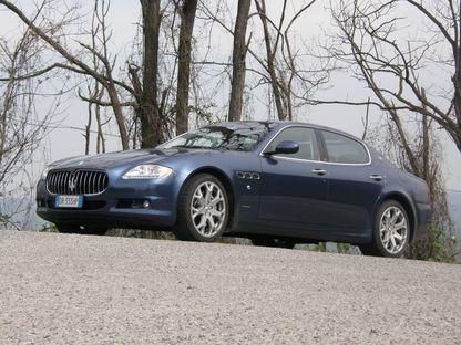 Käänulisel mägiteel ei innusta raske neljaukseline auto tavaliselt kihutama, küll aga siis, kui autoks on 430hobujõuline Maserati Quattroporte.