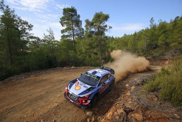 Thierry Neuville testikatsel. Foto: Hyundai Motorsport