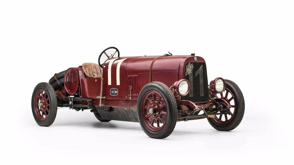Kõige esimene Alfa Romeo pandi oksjonile